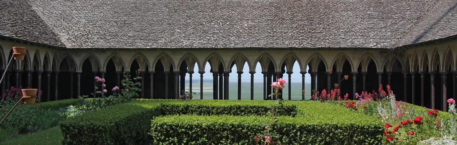 Mont-Saint-Michel - Cloître de l'abbaye