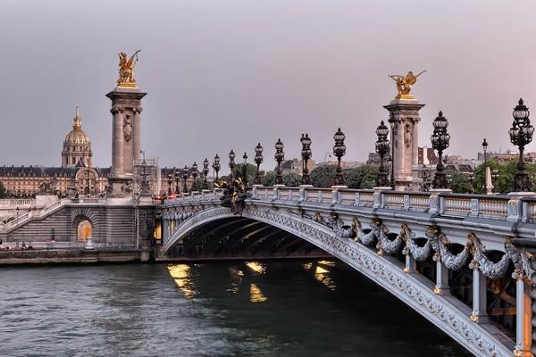 """Forfait """"Paris Romantique"""" - Séjours Paris - Visites de Paris"""
