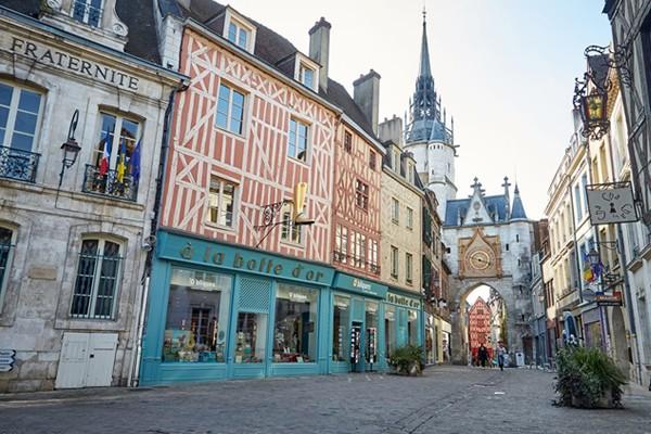 Yonne - Auxerre - vignobles - Chablis - Irancy - Rocher du Saussoi - Vézelay