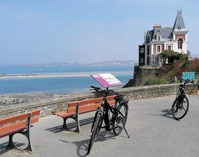 Dinard à vélo électrique